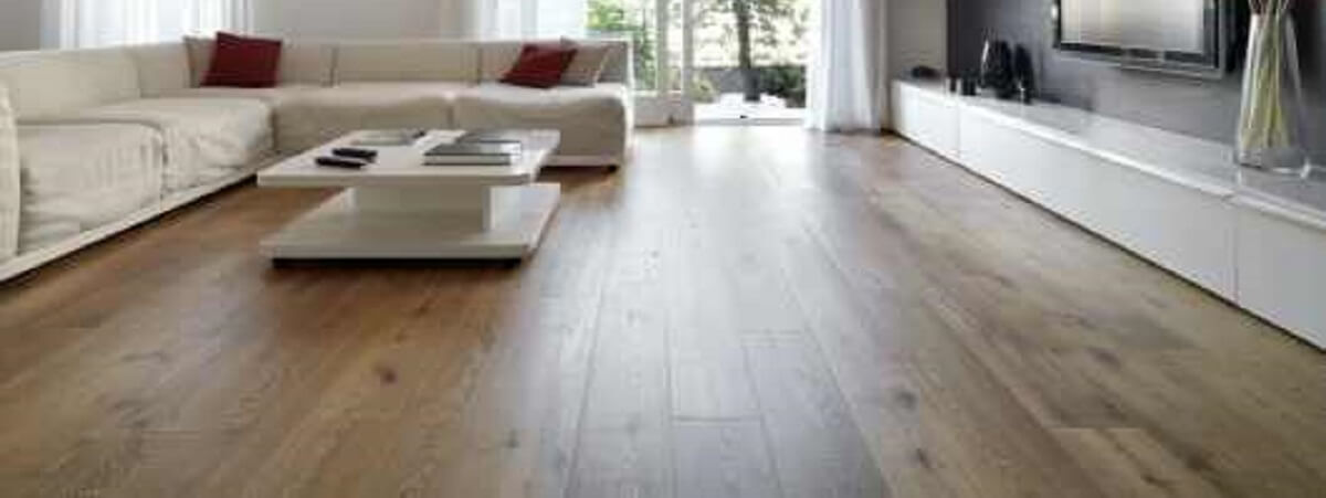 HOW TO KEEP YOUR WOODEN FLOOR LOOKING NEW