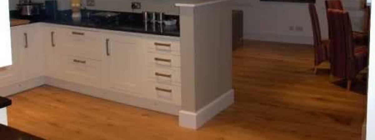 WHY DOES YOUR KITCHEN NEED OAK WOOD FLOORING?