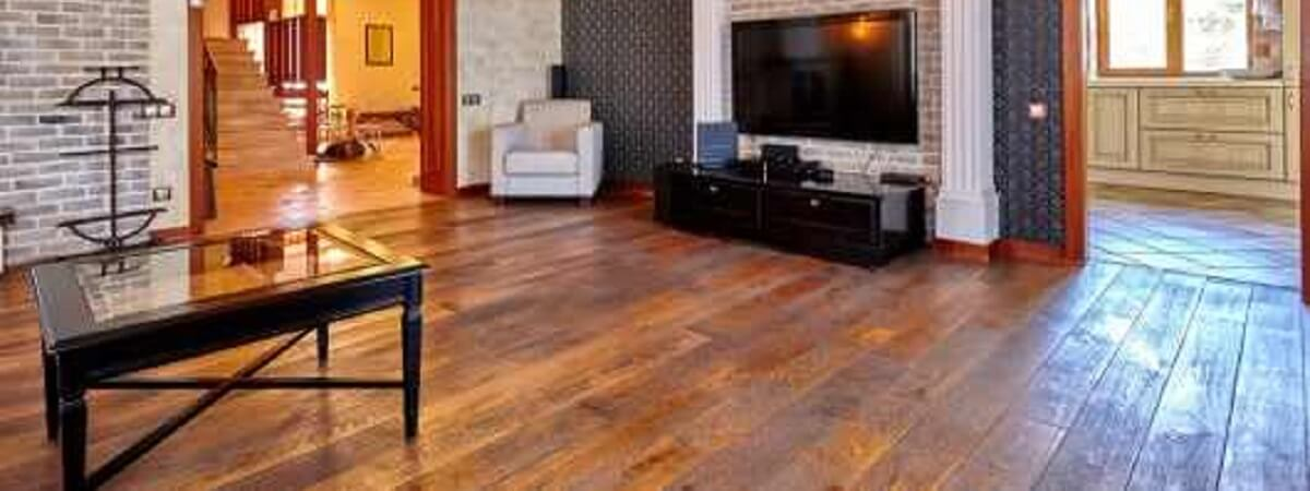 HOW CAN HARDWOOD FLOORING IMPROVE YOUR HOME?