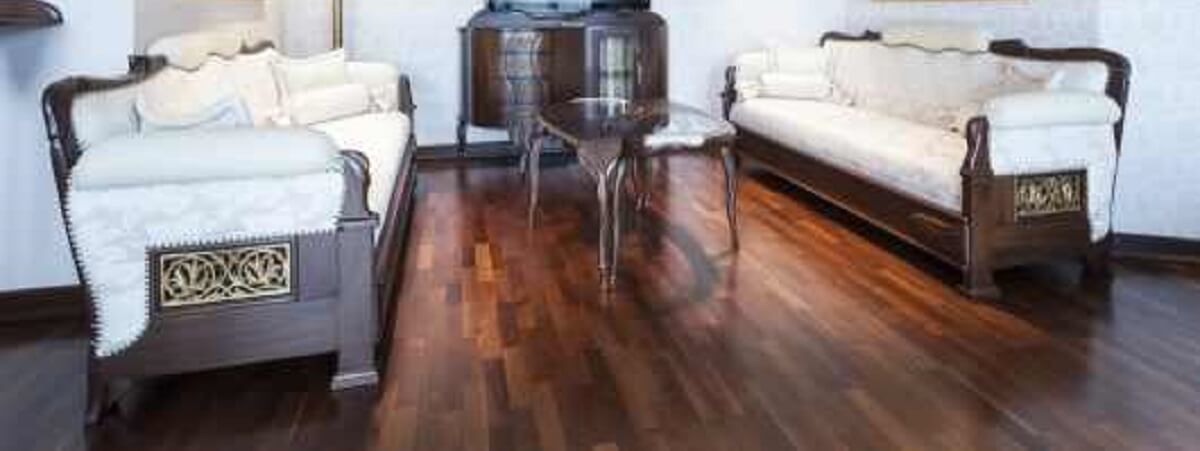 HOW HARDWOOD FLOORING CAN REVITALISE YOUR LOUNGE