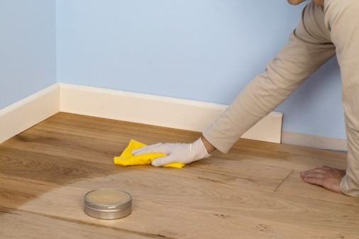 TOP TIPS FOR FIXING SCRATCHES AND DENTS IN YOUR HARDWOOD FLOOR